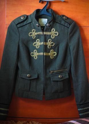 Супер модный пиджак милитари  river island l'art