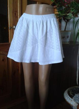 Белая трикотажная юбка на резинке размер14