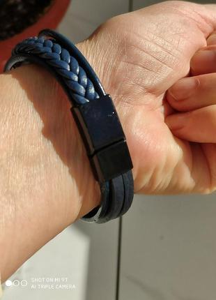 Темно синий кожаный браслет на магните.