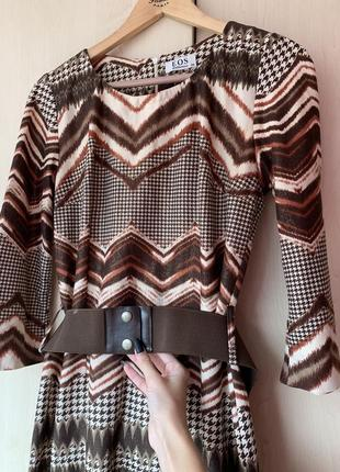 Очень красивое платье от eos collection