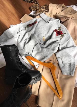Оверсайз светр з вишивкою zebra