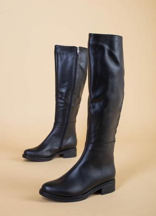 Кожаные высокие черные сапоги осень-зима