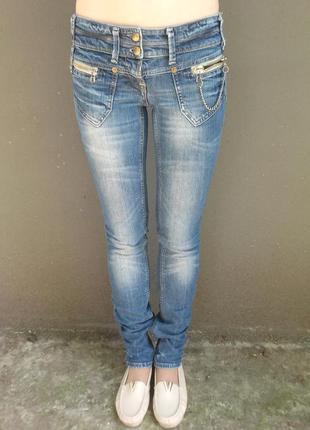 Скины river island пояс 37,длинна102, джинсы оригинальные skinny