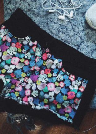 Крутые коротенькие шорты