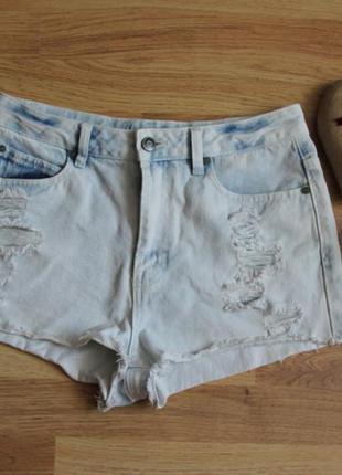 Шикарные завышенные джинсовые деним шорты с актуальными потертостями