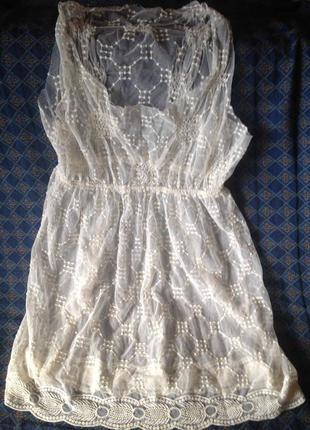 Прозрачное белое платье