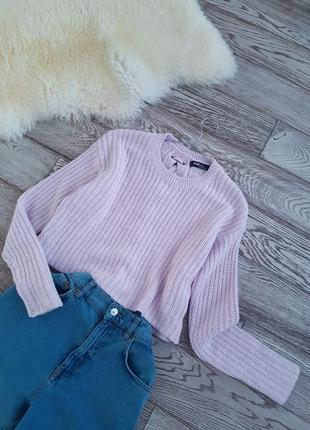 Укороченный лавандовый свитер с завязкой на спинке
