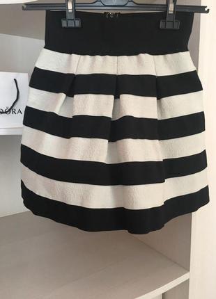 Юбка  в черно-белую полоску полосатая