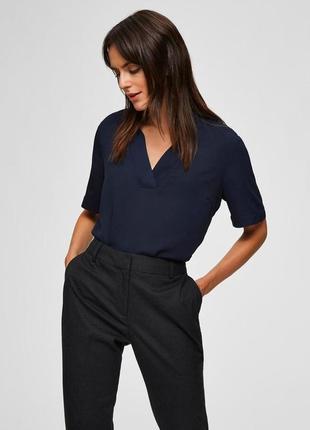Синяя блузка с v-образным вырезом selected femme