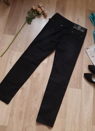 Новые  фирменные джинси р 30-324 фото