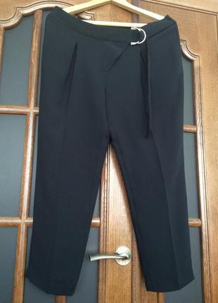 Очень стильные деловые брюки для офиса. размер xl-xxl.
