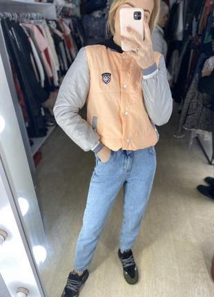 Женская дутая куртка-бомпер
