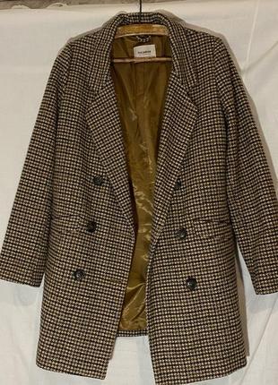 Клетчатое пальто pull&bear