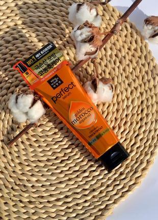 Маска для відновлення пошкодженого волосся з 7-ма маслами mise en scene (180грн.)