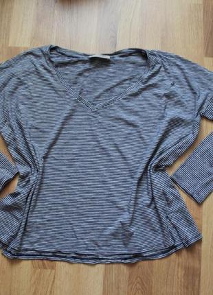 Актуальная базовая кофта футболка с длинным рукавом в мелкую полоску свободного кроя