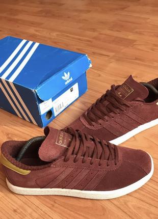 Новые коллекционные замшевые кроссовки марсала с золотыми вставками adidas tobacco 40-41рр