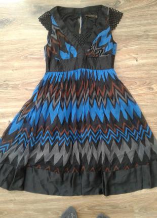 Красивое летнее шелковое платье