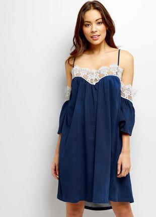 Новое с бирками платье oversize с спущенными плечами и кружевом loving this италия