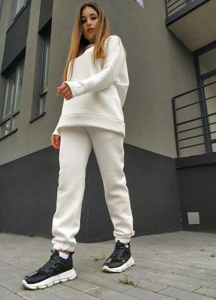 Молочный белый спортивный костюм теплый зима осень
