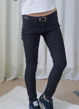 Идеальные чёрные джинсы с низкой посадкой