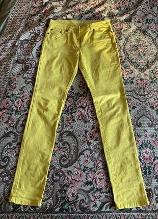 Желтые летние брюки скини