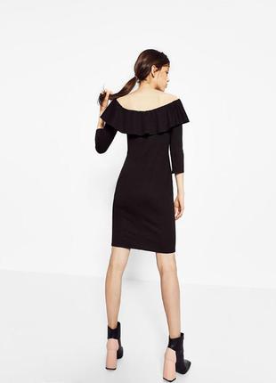 Платье с открытыми плечами,платье с воланом от zara