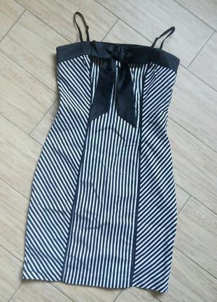 Платье в полоску короткое в обтяжку