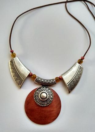 Натуральное колье ожерелье в стиле этно , метал кожа камни.handmade
