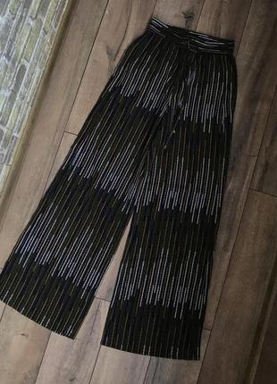 Свободные штаны клешеные h&m в полоску