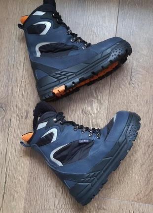 Сноубутсы зимние фирменные ботинки термосапоги