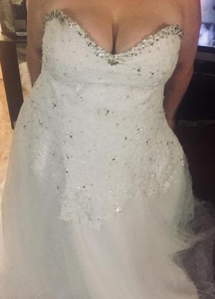 Шикарное свадебное платье размер 58-64.