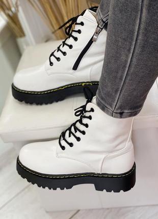 Белые ботиночки кожзам на меху