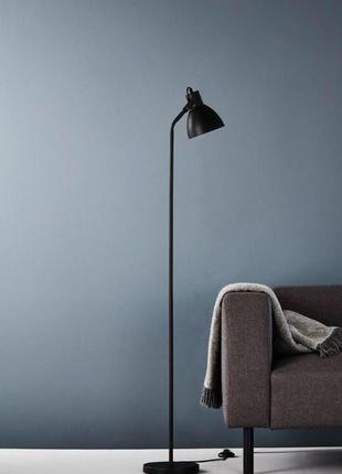 Черный стильный торшер , лампа высота 150 см