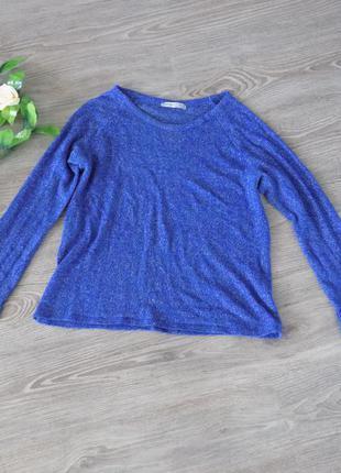 Красивый легкий свитер с блестками