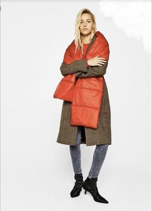 Теплый дутый осенний зимний красный шарф