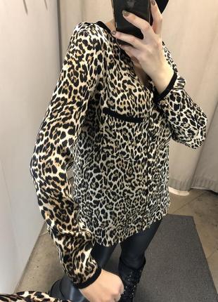 Атласна лепардова блуза zara