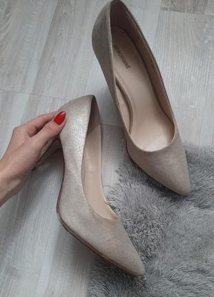 Туфли на шпильке от graceland