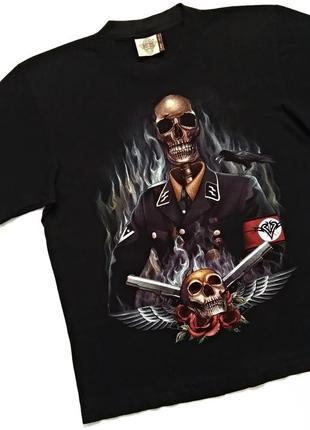 Черная футболка с черепами, рок атрибутика, мерч