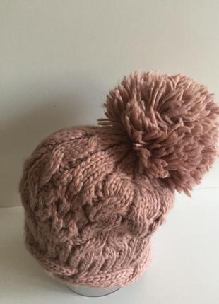 Симпатичная теплая шапочка крупной вязки от new look