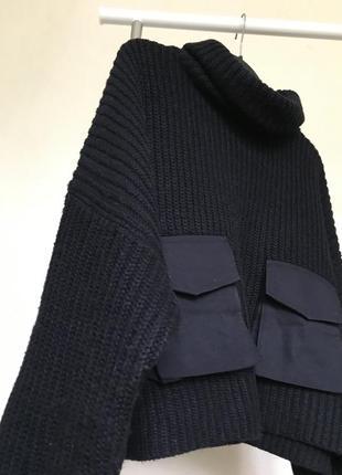 Объёмный трендовый свитер оверсайз с карманами zara