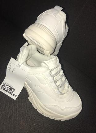 Новые! качественные кроссовки на девочку 7.5 размер 24-25 наш
