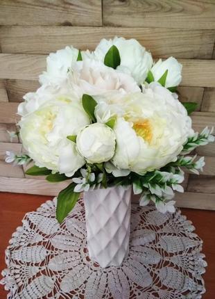 Интерьерная композиция, ваза с цветами, пионы, розы хенд мейд, декор для дома, керамика.