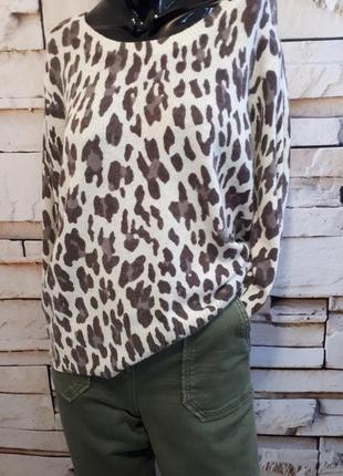 Свитер джемпер пуловер ангора с актуальным принтом