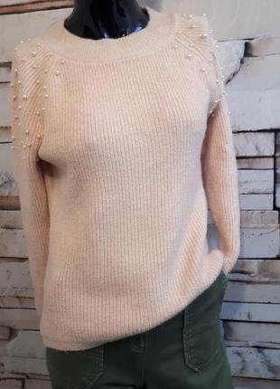 Персиковый свитер пуловер с бусинками и люрексовой нитью