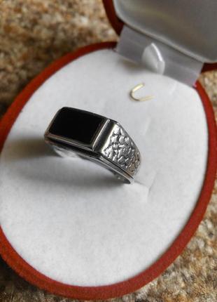 Мужское серебряное кольцо 925 пробы с камнем