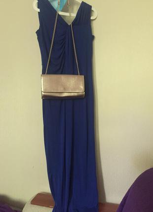Летнее платье с открытой спинкой