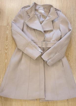 Бежевое пальто karen millen
