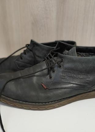 Кожаные зимние ботинки levis