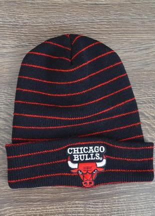 Стильная теплая шапка chicago bulls ® beani hats official merchandise