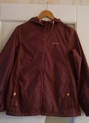 Женская ветровка куртка с капюшоном outventure.